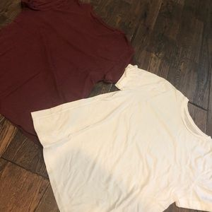 Pair of women's short sleeves